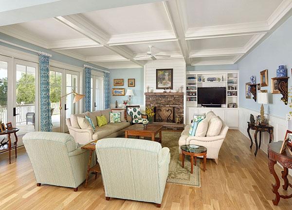 Các món đồ nội thất như sofa, đồ trang trí được phân chia hợp lý
