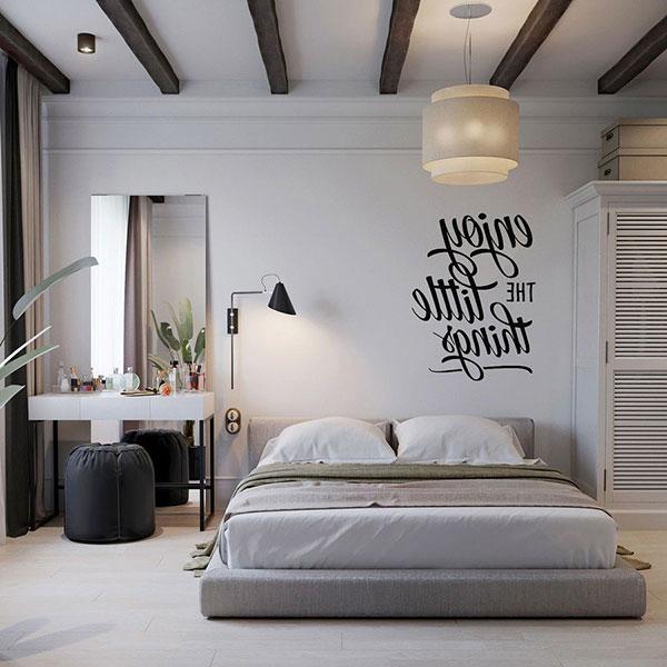 Nội thất Scandinavian được tái hiện qua ghế ngồi, giường, đèn chiếu sáng