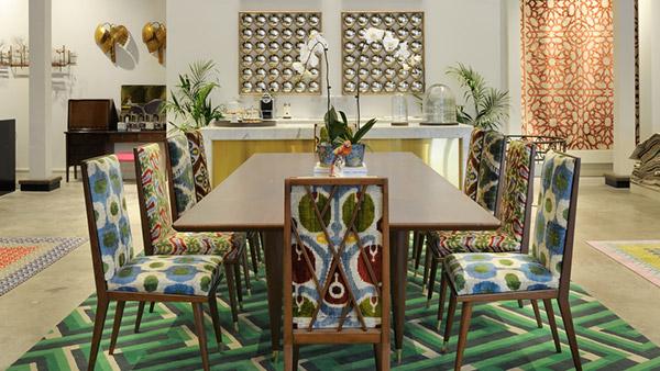 Không gian bếp với các họa tiết, đồ nội thất được ứng dụng linh hoạt