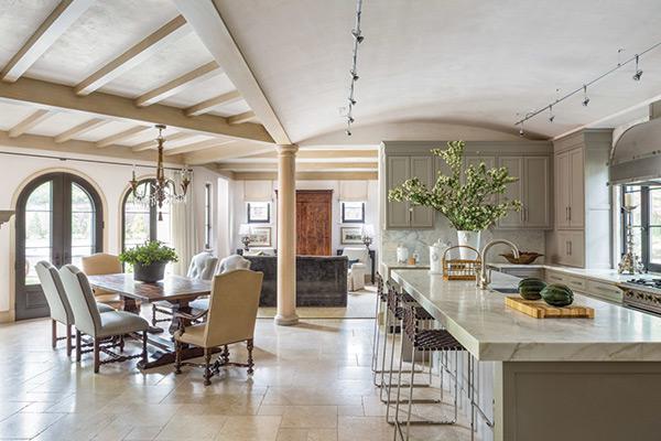 Phòng bếp biệt thự phong cách Địa Trung Hải