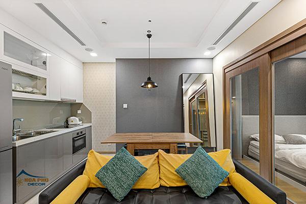 Màu vàng nổi bật là điểm nhấn thu hút của căn phòng