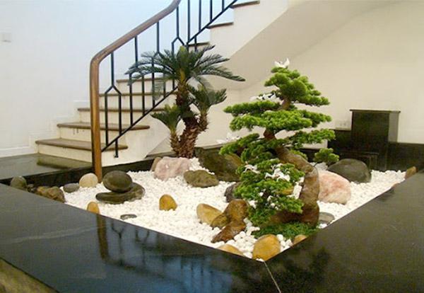 Trang trí gầm cầu thang bằng tiểu cảnh
